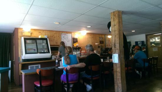 Willow Glen Cafe : You can take a seat at the bar!