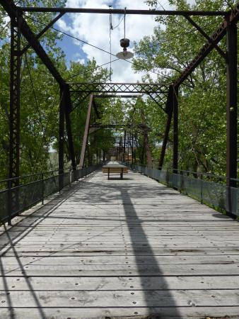 Fort Benton, Μοντάνα: Ft Benton Bridge. Birders - bring binocs
