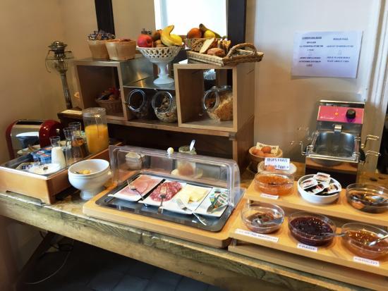 Creissels, Francia: pakjes ontbijt, degoutant...jakkes...