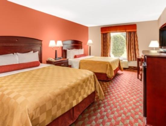 Ramada Murfreesboro: Two Queen Beds