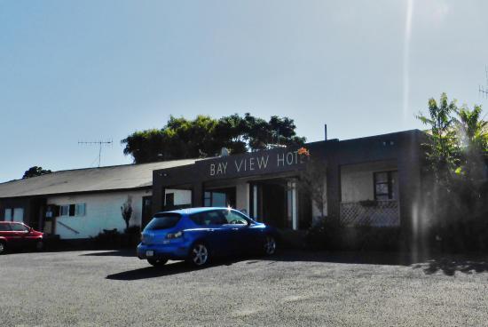 Bay view Hotel - the Pub at Kaiaua