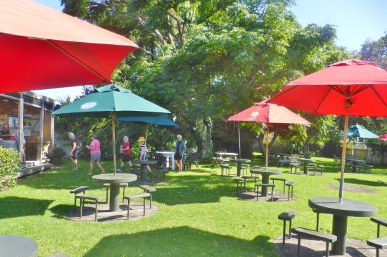 Pokeno, Yeni Zelanda: Garden Bar at the Pub at Kaiaua