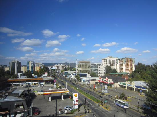 Hotel Dreams Araucania: Good view of Temuco with hills in the background