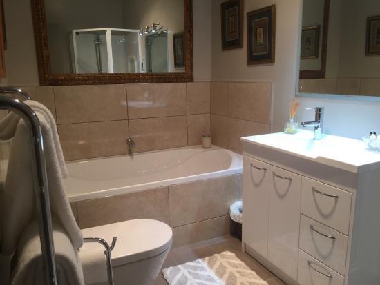 Kerikeri, Nueva Zelanda: Garden Room Bath