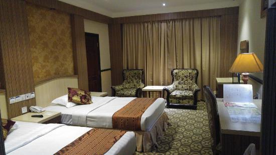 Formosa Hotel: 20160528_205647_large.jpg