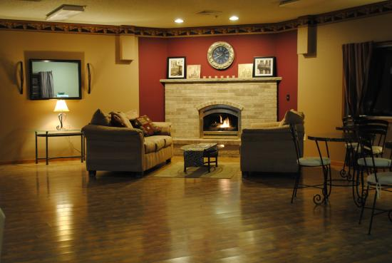 Redgranite, WI: Inviting and Cozy Lobby