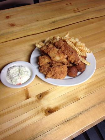 Mount Vernon, Kentucky: Fish Dinner