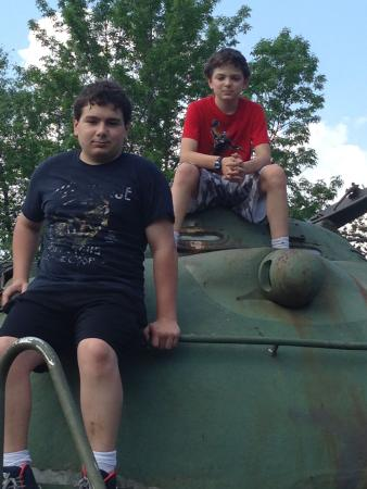 Military Museum of Southern New England: Boys' close up