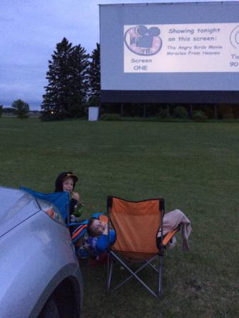 Litchfield, Миннесота: Starliet Drive-In Theater