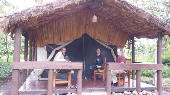 Migunga Tented Camp: Relaxing on deck