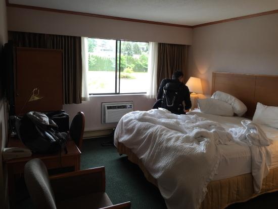 The Hospitality Inn: photo0.jpg