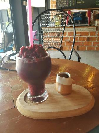 PuriPai Cafe