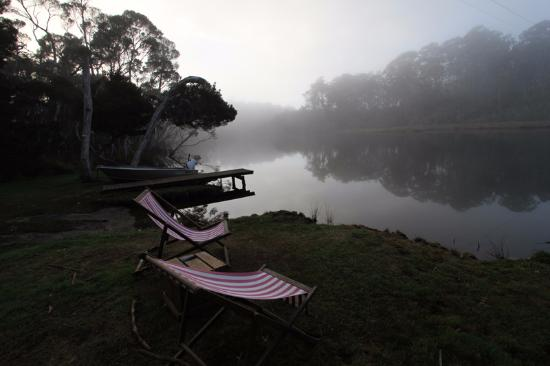 Ulverstone, Australia: Early morning view of the river