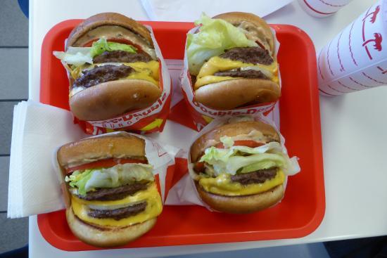In-N-Out Burger : Fuldfede burgere - pomme frites kunne ikke være på billedet :-)