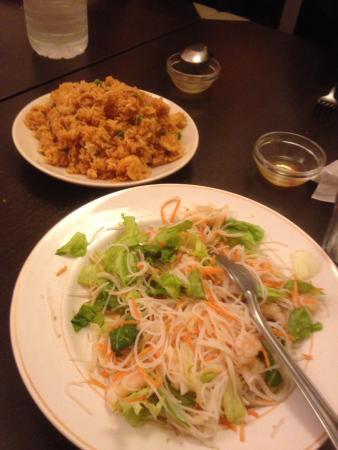 Villemomble, Frankrike: Riz cantonais et salade thaï