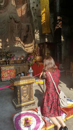 Langzhong, China: 阆中大佛寺