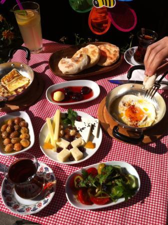 Yigit Sofram Gozleme ve Kahvalti