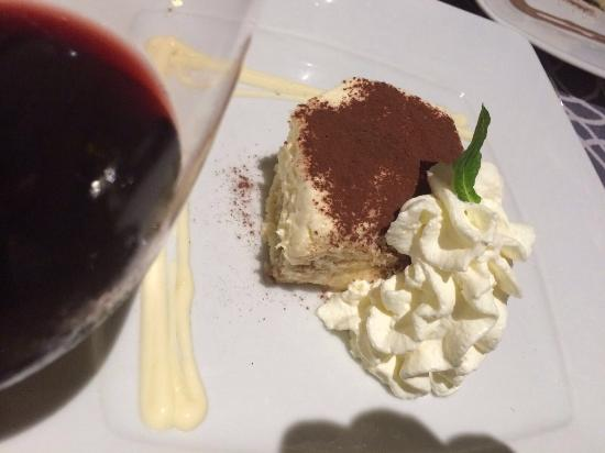 Capriccio: Heerlijk gegeten met lekkere Italiaanse wijn.
