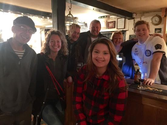 Bettws Newydd, UK: Black Bear and River Usk