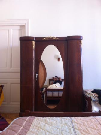 Triomphe Hotel: The old Furniture