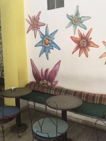 Cafe Edelweiss: Edelweiss decor