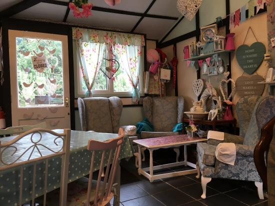 Great Yeldham, UK: Petals Tea Room