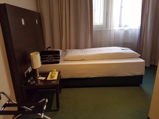 Hotel Room Bild Von Fleming S Hotel Frankfurt Hamburger Allee