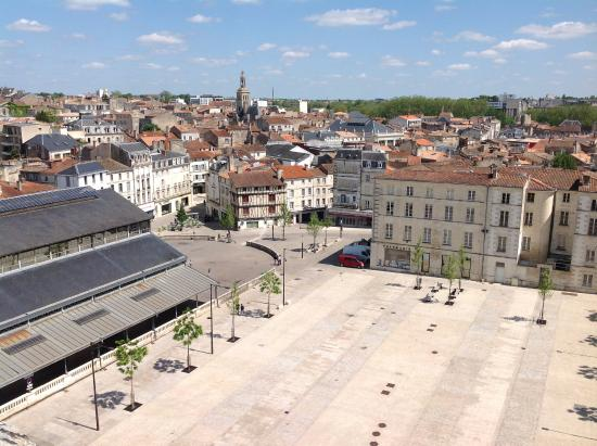 Niort was extremely quiet, despite being a gloriously sunny day.