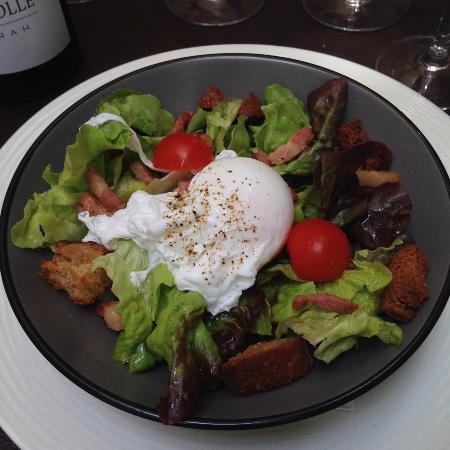 salade lyonnaise oeuf poch lardons et cro tons picture of le bec a vin uzes tripadvisor. Black Bedroom Furniture Sets. Home Design Ideas
