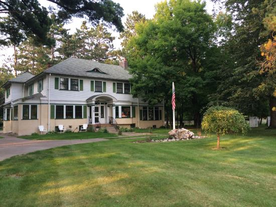 Hallett House Bed & Breakfast