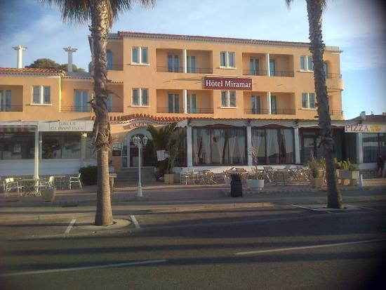 HOTEL MIRAMAR : l'hotel coté plage
