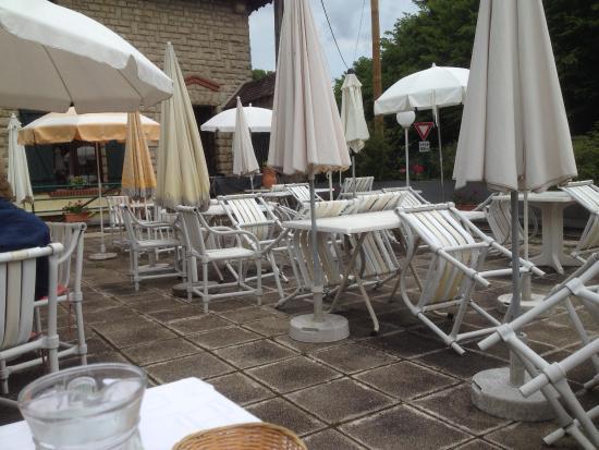 Orry-la-Ville, França: terrassa