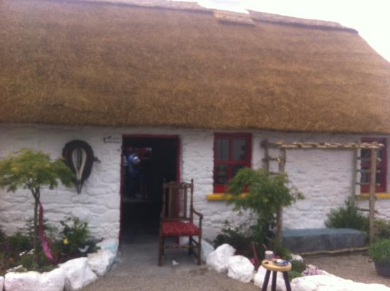 Claddagh Arts Centre: Katies Cottage