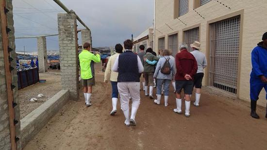 Hermanus, جنوب أفريقيا: Walking tour with our boots which was on loan to us
