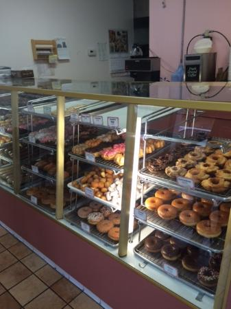 Santee, CA: Yes, there are beautiful donuts... but the real treasures are the owners (not pictured)