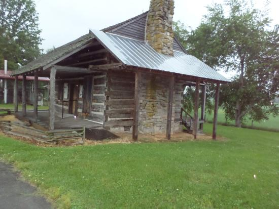 Adams, TN: bell cabin