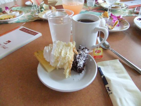 Star of Honolulu - Dinner and Whale Watch Cruises: デザートと飲み物