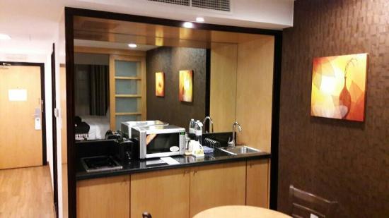 Savoy Suites Hotel Apartments: IMG-20160529-WA0003_large.jpg