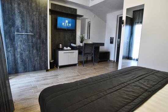 Rise Hotel: Standard Room (Double/Twin)