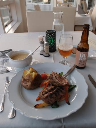 Northern Light Inn: Arguably the tastiest lamb and mushroom sauce I ever had (even asked for extra portion of the sa