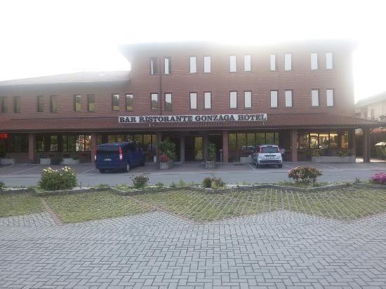 Hotel Gonzaga: 20160527_191553_large.jpg