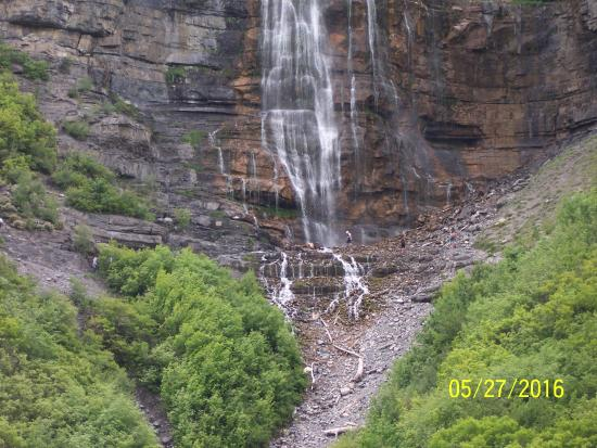 Provo, UT: Bridal View Falls, can you see the hikers?
