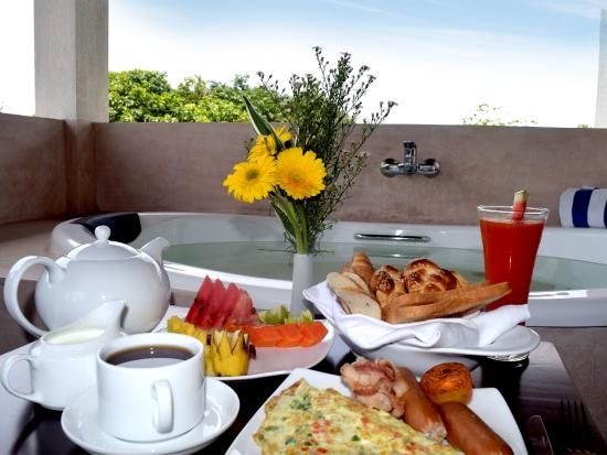 Breakfast picture of terrace green hotel negombo for Breakfast terrace
