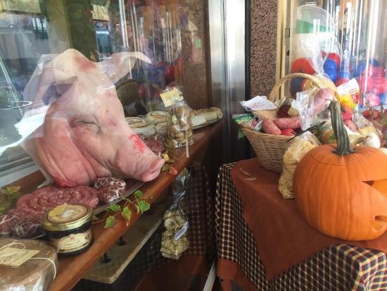 Monta, Italia: Salumeria Gastronomia Almondo Baro