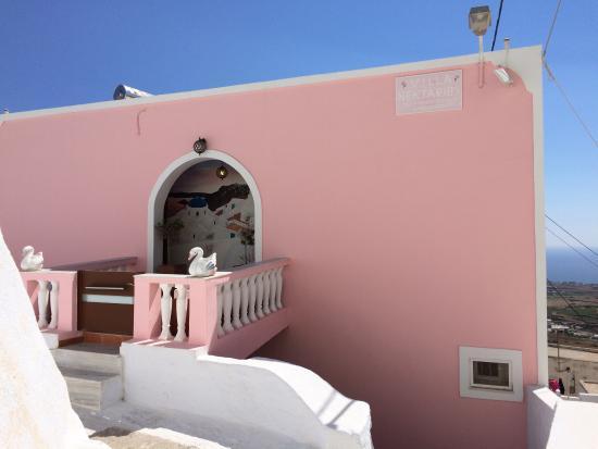 Nectarios Villa: Nice quiet place in buzy Fira