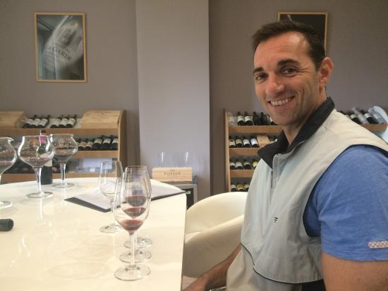 Gourmet Touring: Wine tasting in St Emillion.