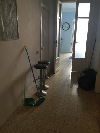 De Lis Guesthouse : Die Wohnung braucht eine Generalsanierung!