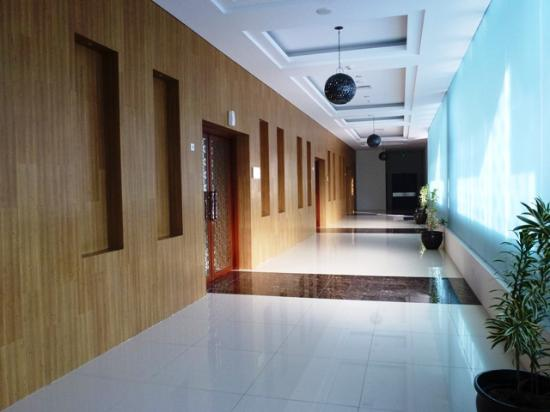 The Atrium Hotel Resort 28 3 7 Prices Reviews Sleman