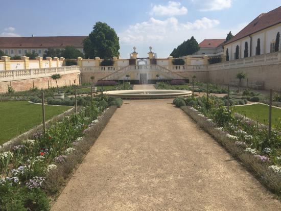 einzigartige gartenarchitektur - picture of schloss hof ... - Gartenarchitektur