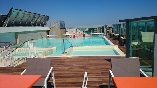 piscina sul tetto foto di hotel aria rimini tripadvisor